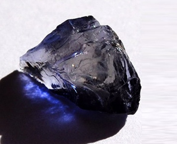 Камень иолит характеристики и свойства