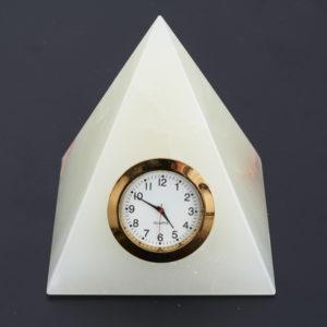 Часы пирамида оникс мраморный  10 см