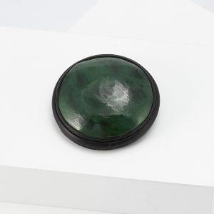 Брошь нефрит зеленый  (натуральная кожа)