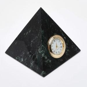 Часы пирамида змеевик  10х11 см