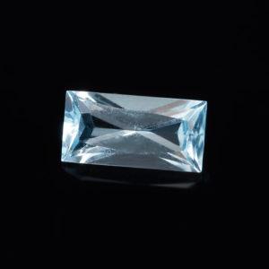 Огранка топаз голубой  багет 5*10 мм