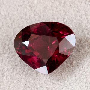 Огранка гранат альмандин  сердце 8*9.5 мм