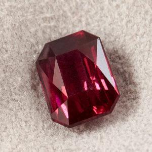 Огранка гранат альмандин  октагон 6,5*8,5 мм
